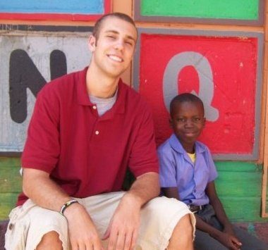 Kevin Matuseski teaches English to 6th graders in Colombia.